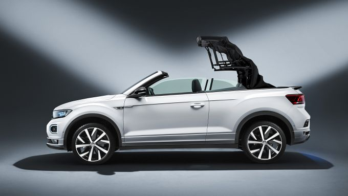 Volkswagen T-Roc Cabriolet: l'apertura del tetto