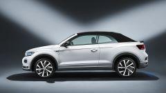 Volkswagen T-Roc Cabriolet Sport: di profilo a tetto chiuso