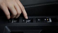 Volkswagen T-Roc Cabriolet Sport: il comando del tetto apribile