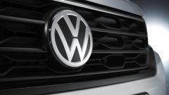 Volkswagen T-Roc Cabriolet Sport: lo stemma sulla calandra