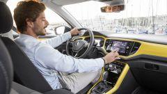 Volkswagen T-Roc: la prova del primo SUV compatto di VW - Immagine: 25