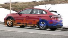 Volkswagen Taigo 2021: visuale di 3/4 posteriore