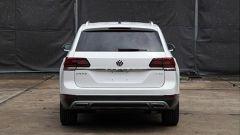 Volkswagen Teramont, le foto spia del suv a 7 posti di Wolfsburg - Immagine: 4