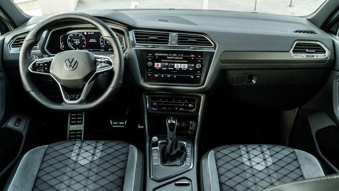 Volkswagen Tiguan 1.5 TSI R-Line: abitacolo