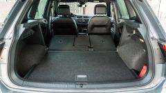 Volkswagen Tiguan 1.5 TSI R-Line: bagagliaio con schienale reclinato