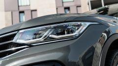 Volkswagen Tiguan 1.5 TSI R-Line: luci anteriori