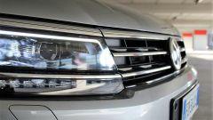 Volkswagen Tiguan 2.0 Tdi 150 CV DSG 4Motion: dettaglio del faro anteriore