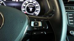 Volkswagen Tiguan 2.0 Tdi 150 CV DSG 4Motion: i pulsanti per il vivavoce e i comandi vocali