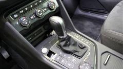 Volkswagen Tiguan 2.0 Tdi 150 CV DSG 4Motion: la leva del cambio automatico a 7 marce