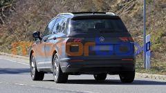 Volkswagen Tiguan 2021 facelift: visuale posteriore