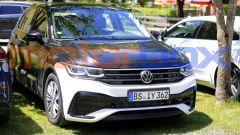 Volkswagen Tiguan 2021: visuale di 3/4 anteriore