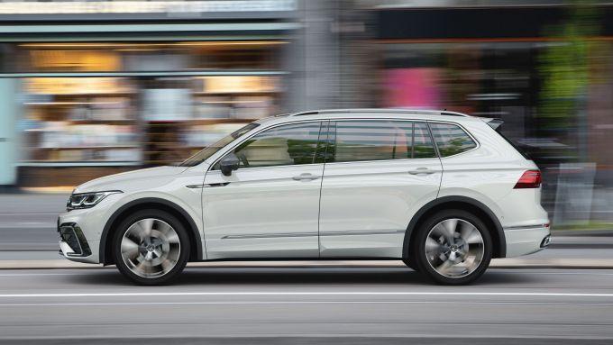 Volkswagen Tiguan Allspace 2021: visuale laterale
