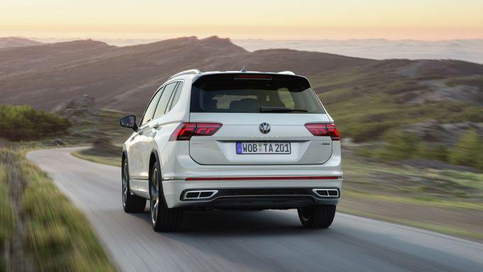 Volkswagen Tiguan Allspace 2021: visuale posteriore