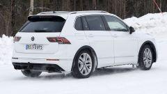 Volkswagen Tiguan R 2020: visuale di 3/4 posteriore