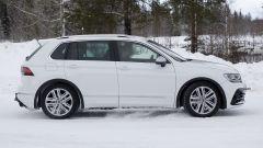 Volkswagen Tiguan R 2020: visuale laterale