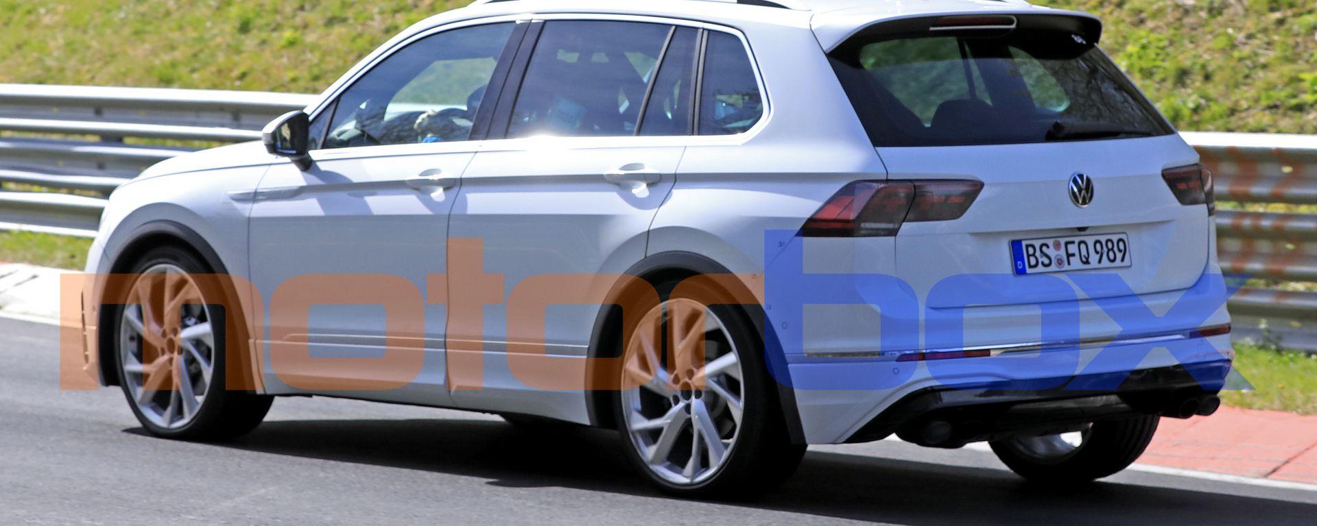 Volkswagen Tiguan R: il 3/4 posteriore