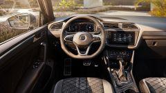 Volkswagen Tiguan R-Line, gli interni