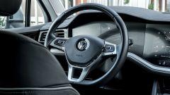 Volkswagen Touareg Advanced 3.0 V6 TDI 286 CV, il volante