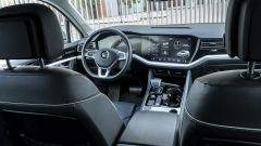 Volkswagen Touareg Advanced 3.0 V6 TDI 286 CV, la plancia