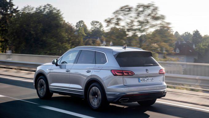 Volkswagen Touareg eHybrid 2021: 3/4 posteriore