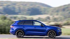 Volkswagen Touareg R 2021: vista laterale