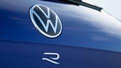 Volkswagen Touareg R, il badge distintivo del modello