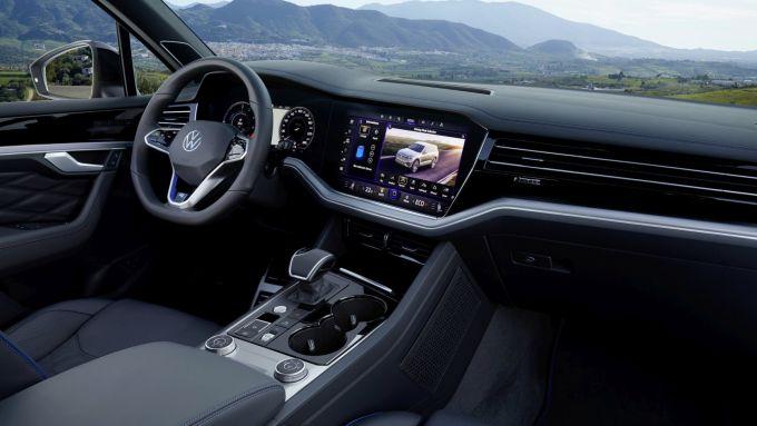 Volkswagen Touareg R, il posto di guida