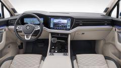 Nuova Touareg: ecco il SUV hi-tech di Volkswagen - Immagine: 15