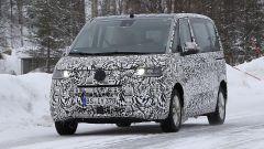 Volkswagen Transporter 2021: le foto spia. Motori, allestimenti