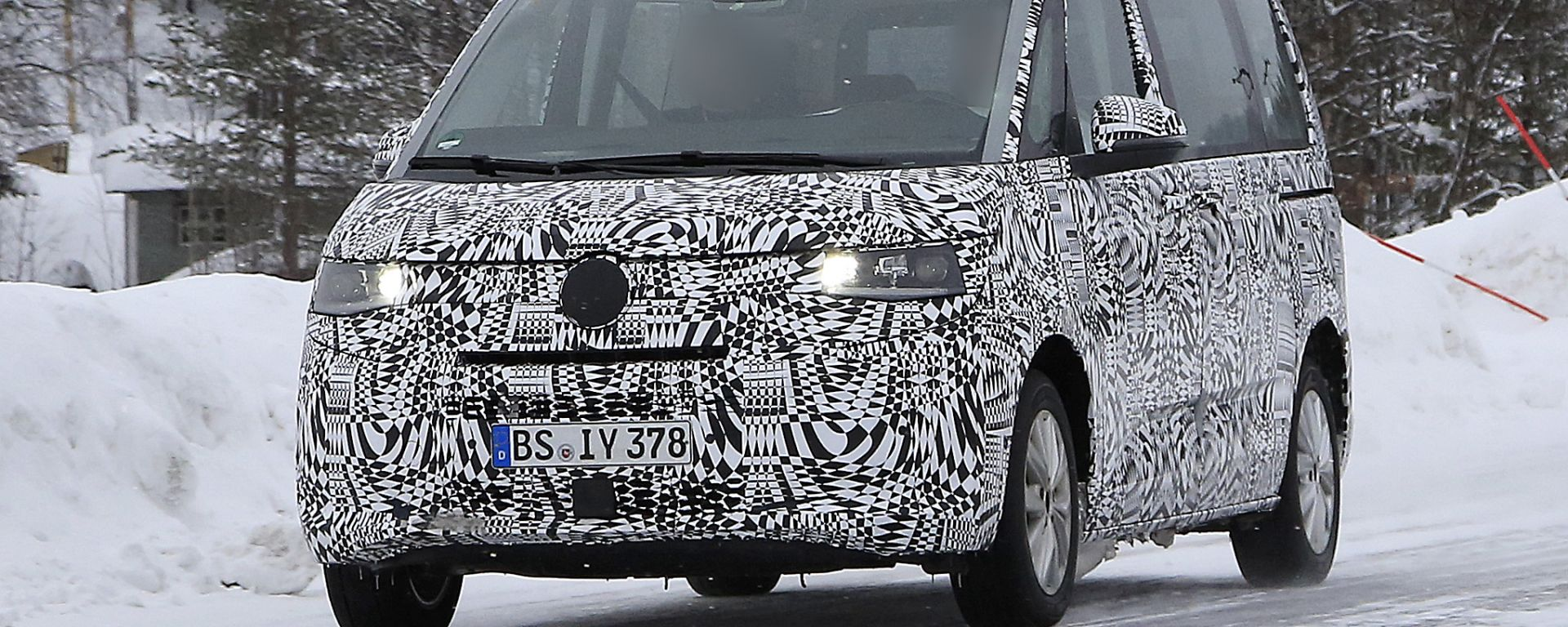 Volkswagen Transporter 2021: le foto spia