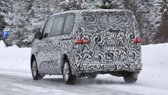 Volkswagen Transporter 2021: visuale posteriore