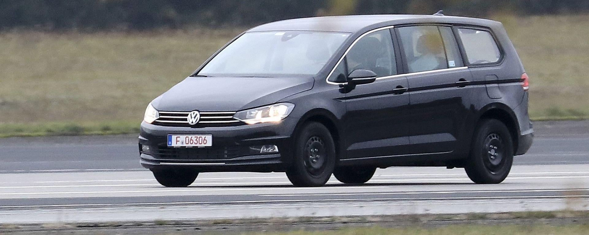 Volkswagen Variosport: una monovolume per sostituire Sportsvan e Touran
