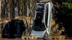 Volvo e il crash test da 30 metri di altezza [VIDEO]