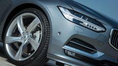 Volvo S90: i gruppi ottici anteriori