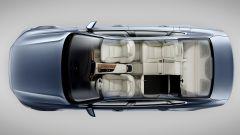 Volvo S90: il divanetto posteriore può essere abbattuto secondo lo schema 1/3 2/3