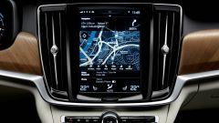 Volvo S90: il sistema di infotainment si gestisce tramite un grosso monitor touch
