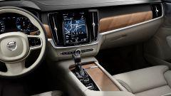 Volvo S90: la plancia ha un disegno molto pulito
