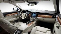 Volvo S90: la plancia ha uno stile minimal
