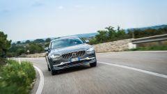 Volvo S90: vista frontale