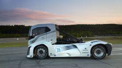 Volvo Trucks, l'Iron Knight fa un chilometro in 21,29 secondi: è doppio record - Immagine: 10
