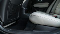 Volvo V60 2019: il pavimento tra i sedili posteriori è rialzato