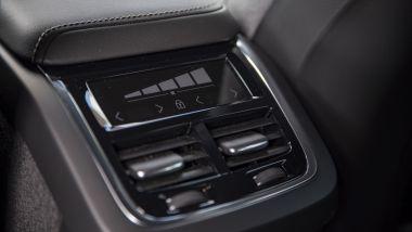 Volvo V60 Cross Country B4 AWD Business Pro Line, il climatizzatore si regola anche da dietro