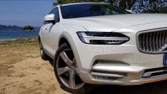 Volvo V90 Cross Country D5 Ocean Race: dettaglio de gruppo ottico anteriore