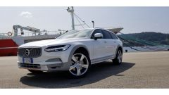 Volvo V90 Cross Country D5 Ocean Race: dettaglio del frontale