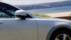 Volvo V90 Cross Country D5 Ocean Race: dettaglio dello specchio retrovisore