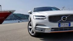 Volvo V90 Cross Country D5 Ocean Race: la firma luminosa