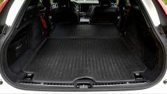Volvo V90 Cross Country D5 Ocean Race: le coperture in gomma per il bagagliaio