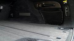 Volvo V90 Cross Country D5 Ocean Race: nel bagagliaio c'è una torcia ricaricabile