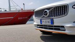 Volvo V90 Cross Country D5 Ocean Race: si noti la finitura del paraurti anteriore