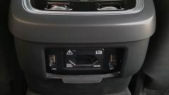 Volvo V90 Cross Country D5 Ocean Race: una presa a 220 V per chi siede dietro